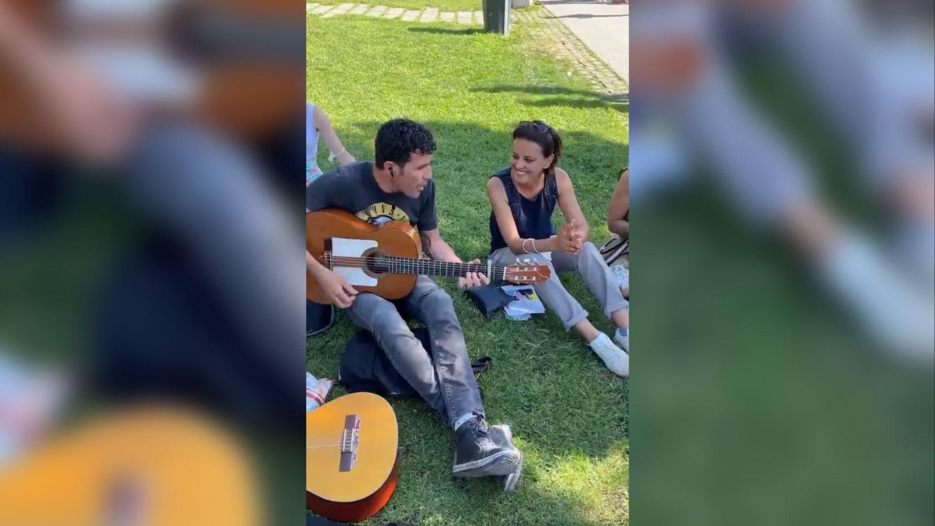 Najat Vallaud Belkacem Idir, Vidéo – Najat Vallaud Belkacem chante Vava Inouva, Infos Algérie